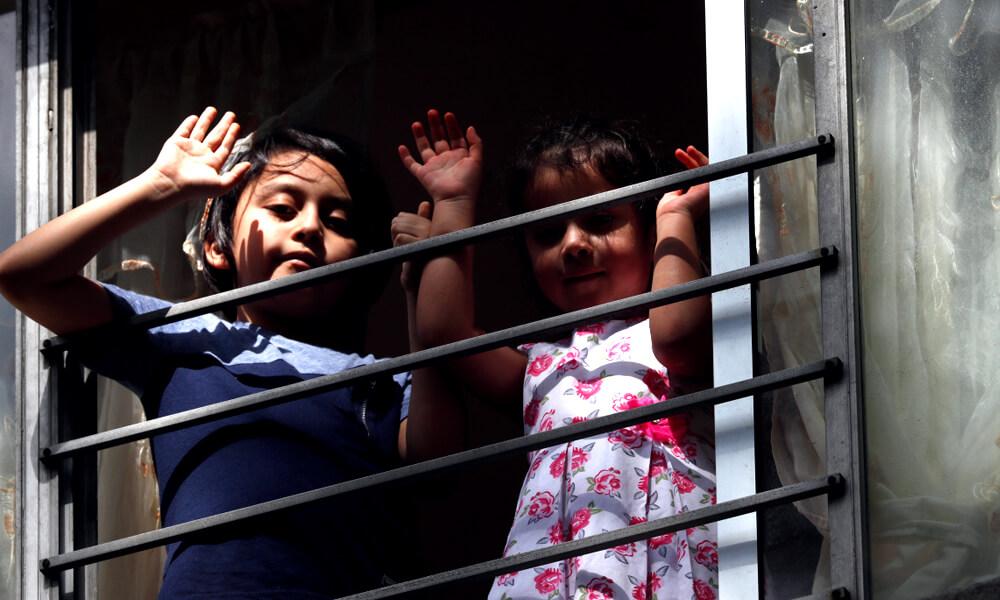 Niños que habitan la unidad habitacional de Tlatelolco en Ciudad de México
